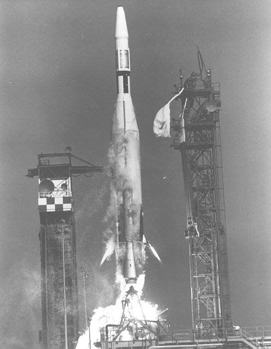 1962: First US Rocket Lands on Moon